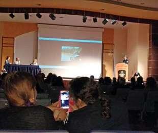 Παρακολούθηση ομιλιών για τη δημόσια υγεία